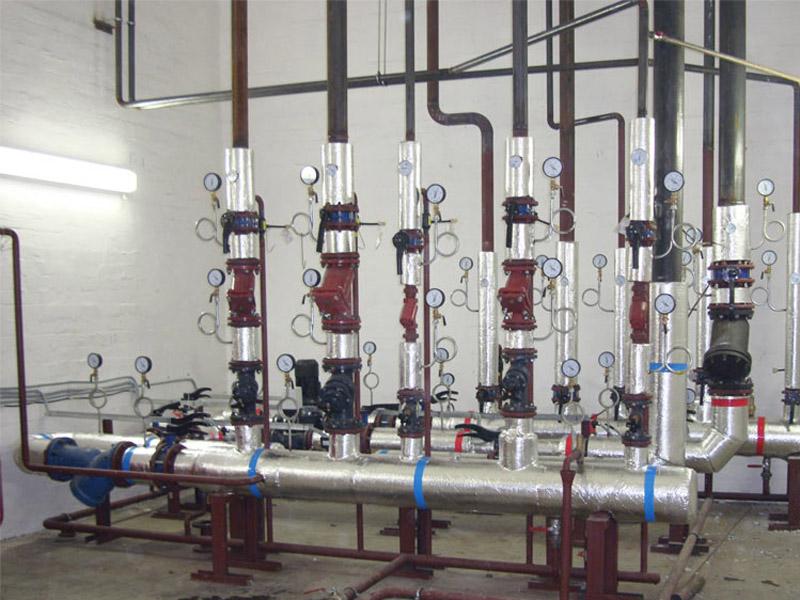 ...промывка внутренней системы отопления, вентиляции и ГВС. промывка теплообменников. установка регулятора...